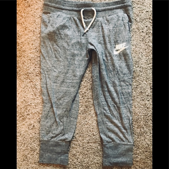 presenting soft and light sale online Women's Nike cropped joggers sweats. Sz M.